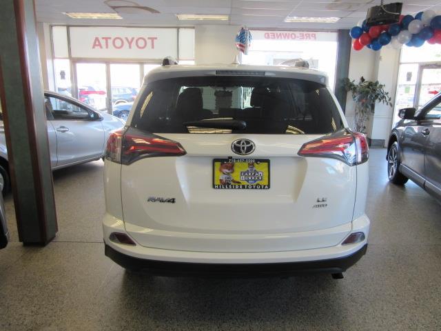2016 Toyota Rav4 LE 4