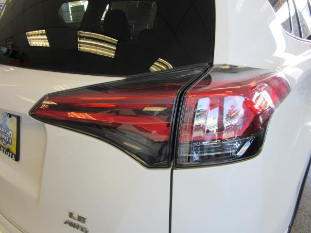 2016 Toyota Rav4 LE 7