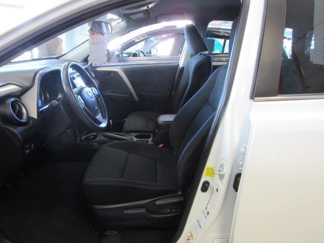 2016 Toyota Rav4 LE 10