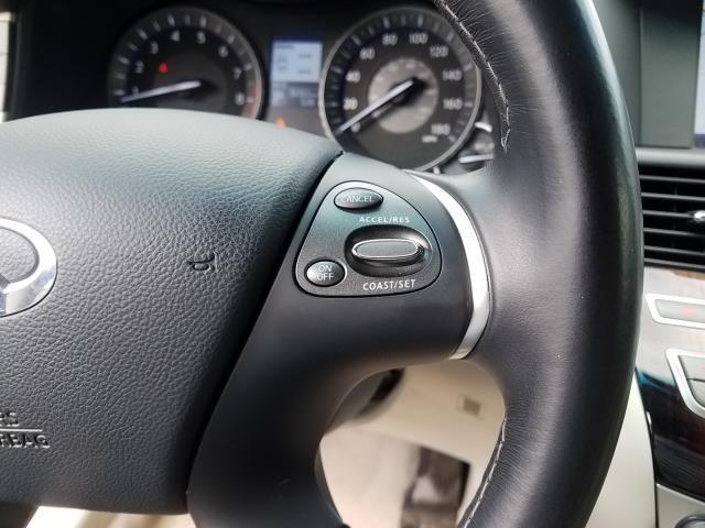2016 INFINITI Q70 4dr Sdn V6 AWD 24