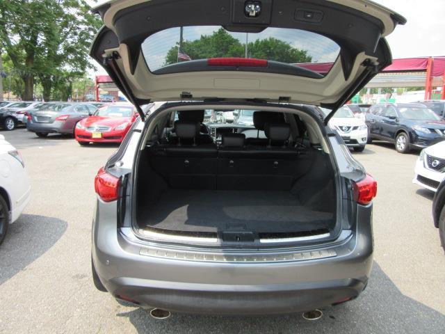 2014 INFINITI QX70 AWD 4dr 3