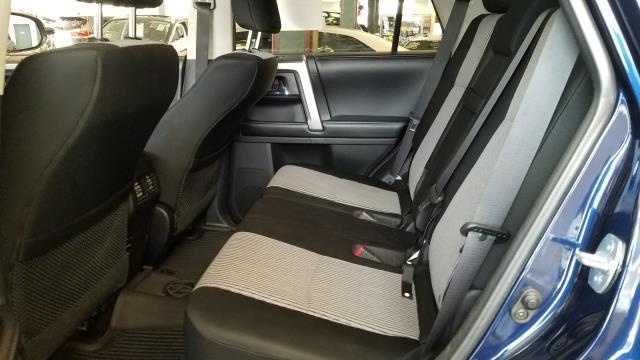 2016 Toyota 4Runner SR5 9