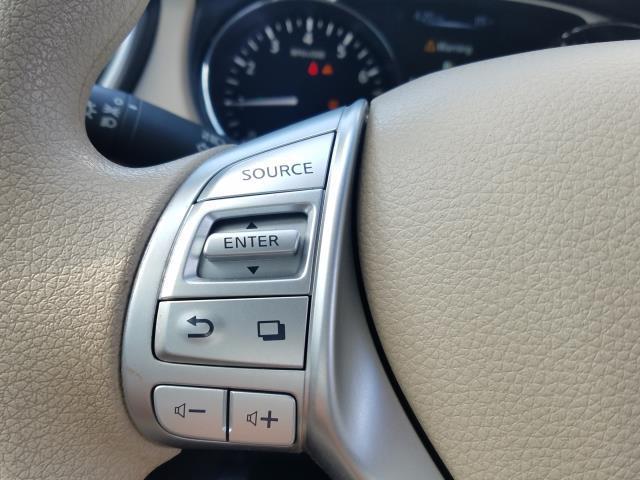 2014 Nissan Rogue S 11