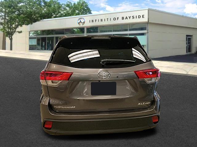 2019 Toyota Highlander XLE 1