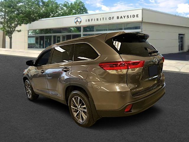 2019 Toyota Highlander XLE 2