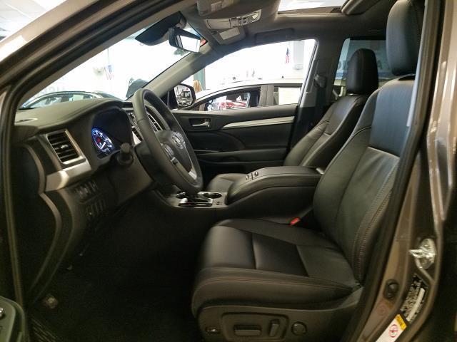 2019 Toyota Highlander XLE 9