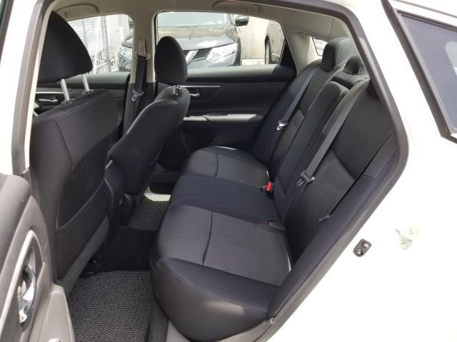 2018 Nissan Altima 2.5 SR 8