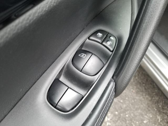 2018 Nissan Rogue Sport SV 16