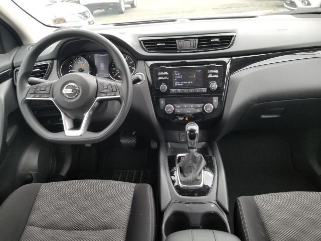 2018 Nissan Rogue Sport SV 13