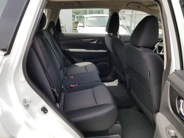2018 Nissan Rogue S 13