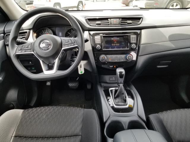 2018 Nissan Rogue S 16