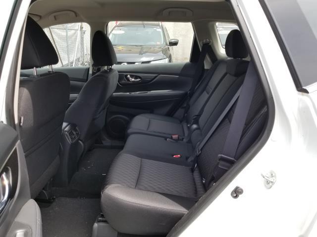 2018 Nissan Rogue S 8