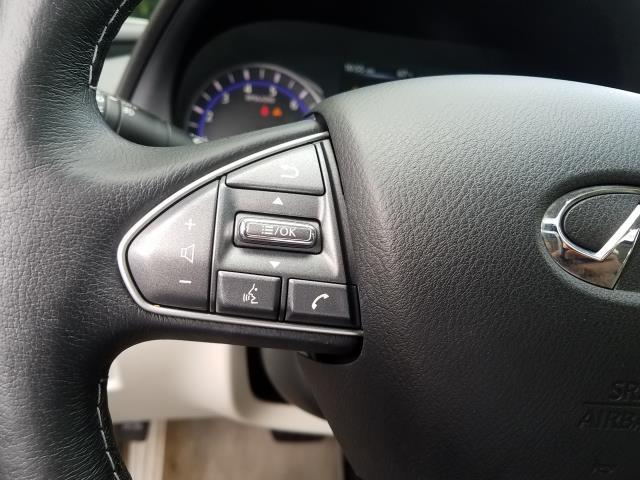 2015 INFINITI Q50 Premium 25