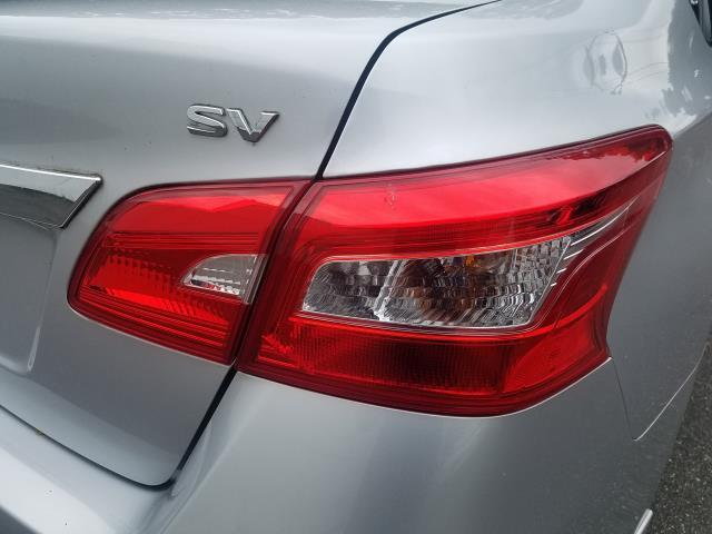 2016 Nissan Sentra SV 9