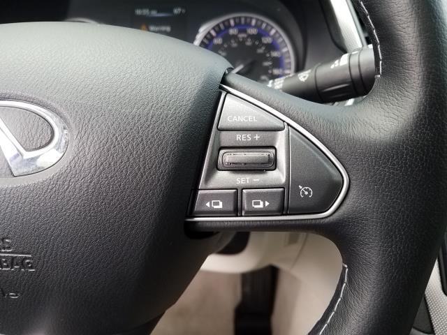 2015 INFINITI Q50 Premium 23