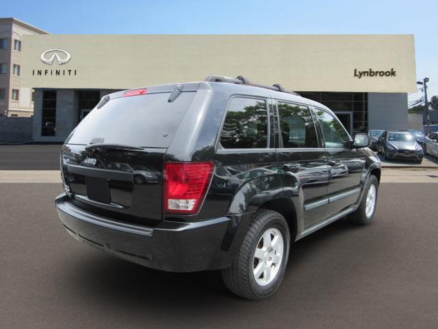 2009 Jeep Grand Cherokee Laredo 2