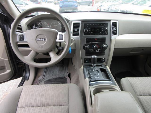 2009 Jeep Grand Cherokee Laredo 12
