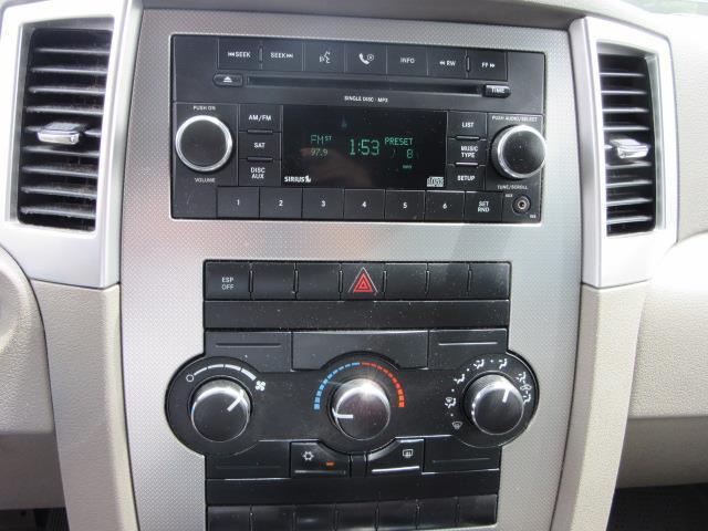 2009 Jeep Grand Cherokee Laredo 21