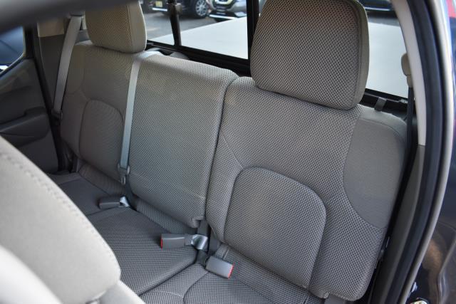 2017 Nissan Frontier SV V6 14
