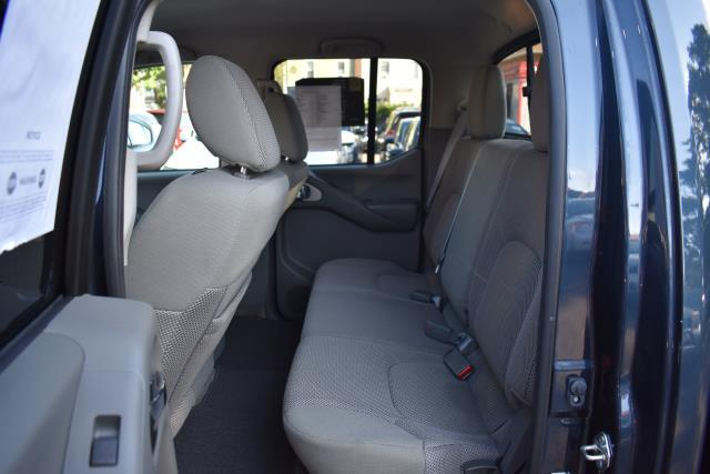 2017 Nissan Frontier SV V6 15