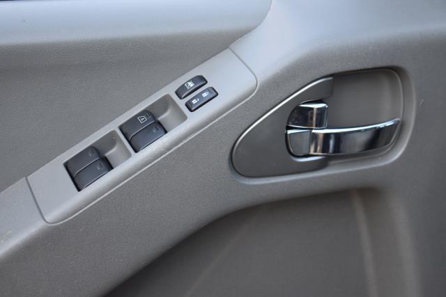 2017 Nissan Frontier SV V6 18
