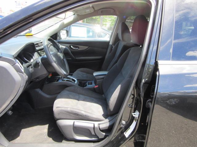 2016 Nissan Rogue S 10
