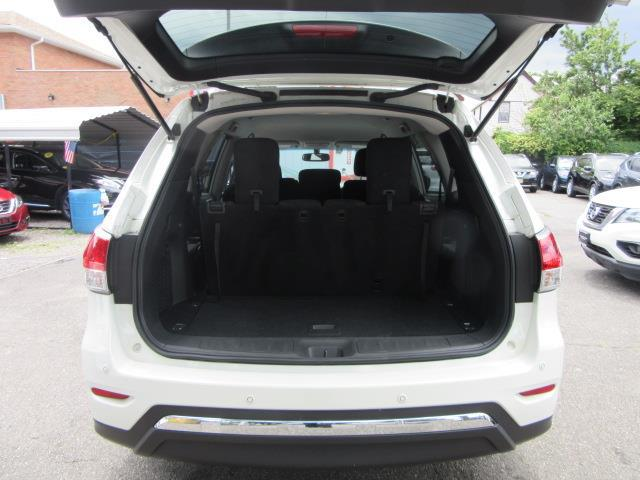 2016 Nissan Pathfinder SV 4
