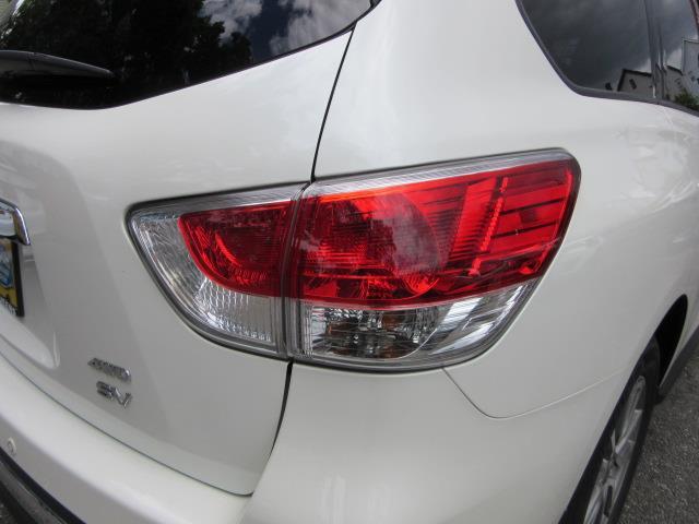 2016 Nissan Pathfinder SV 9