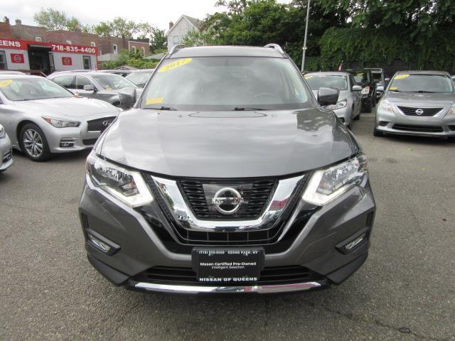 2017 Nissan Rogue SV 4