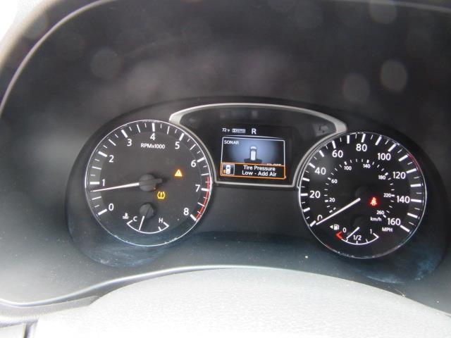 2016 Nissan Pathfinder SV 27