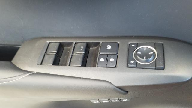 2015 Lexus Nx 200T AWD 4dr 29