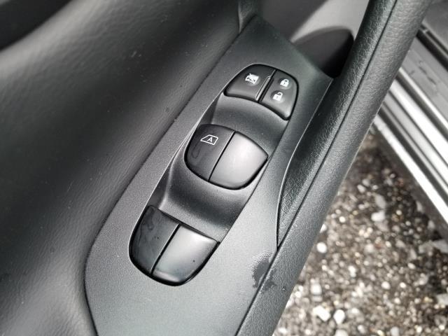 2016 Nissan Altima 2.5 SV 17