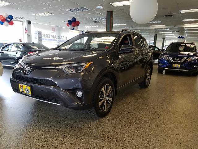 2016 Toyota Rav4 XLE 0