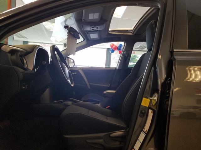 2016 Toyota Rav4 XLE 12