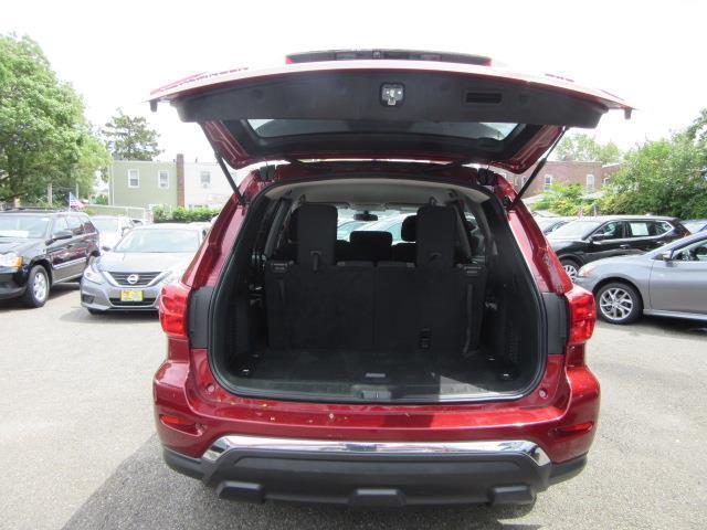 2018 Nissan Pathfinder S 3
