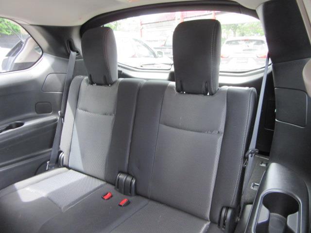 2018 Nissan Pathfinder S 12