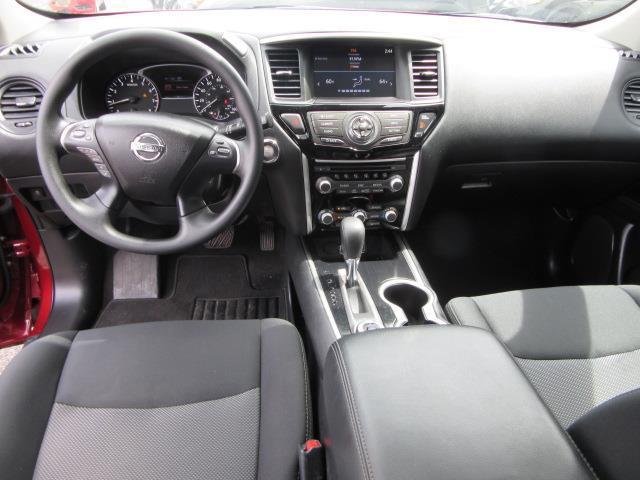 2018 Nissan Pathfinder S 13