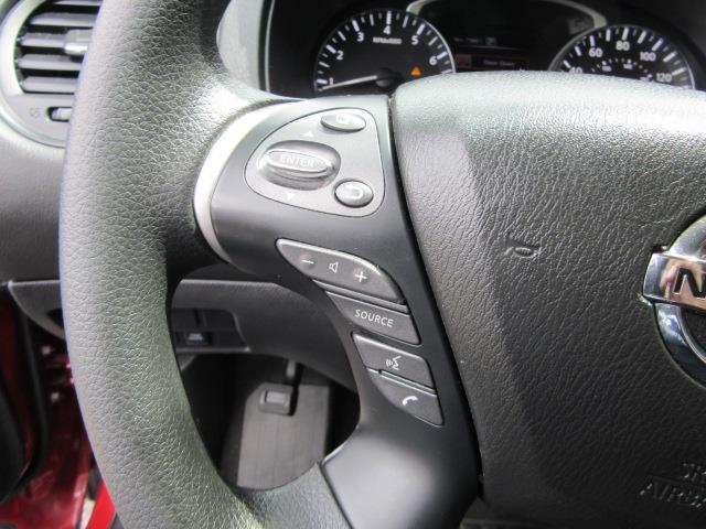 2018 Nissan Pathfinder S 18
