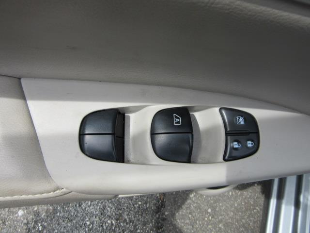 2013 Nissan Sentra SL 16