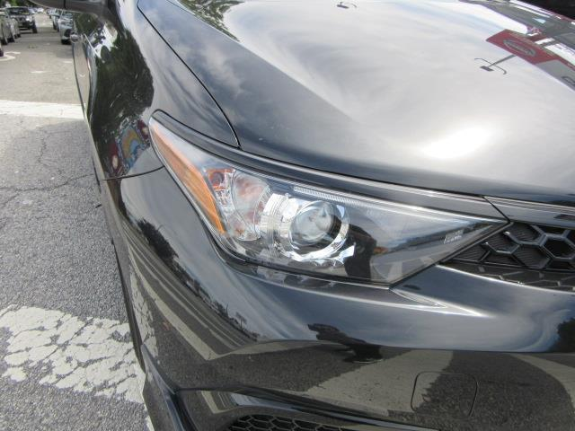 2017 Toyota Corolla Im CVT (Natl) 7