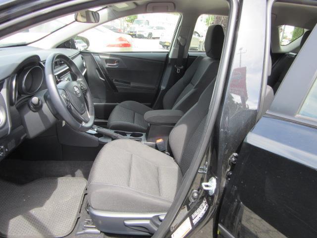 2017 Toyota Corolla Im CVT (Natl) 10