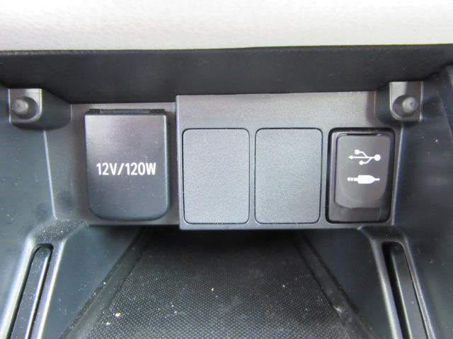 2017 Toyota Corolla Im CVT (Natl) 24