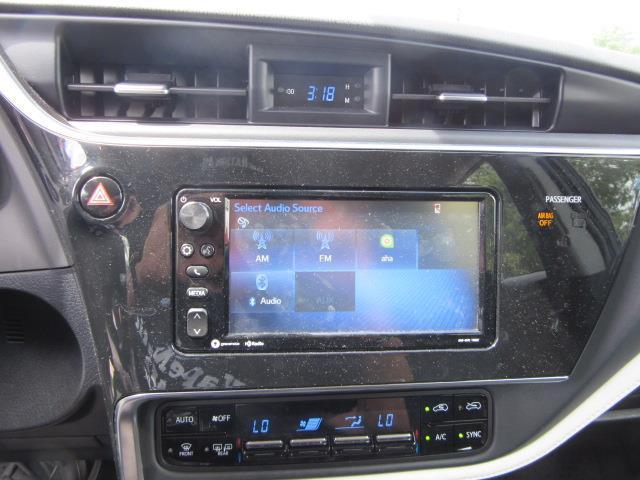 2017 Toyota Corolla Im CVT (Natl) 26