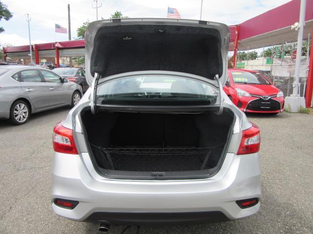 2016 Nissan Sentra SR 4