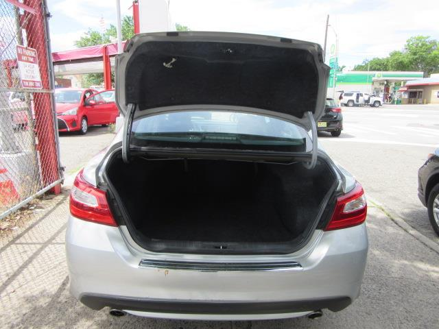 2016 Nissan Altima 2.5 SR 3