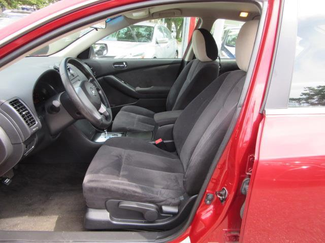 2009 Nissan Altima 2.5 S 9