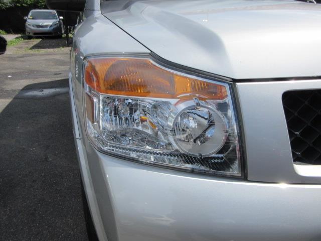 2015 Nissan Armada SV 6