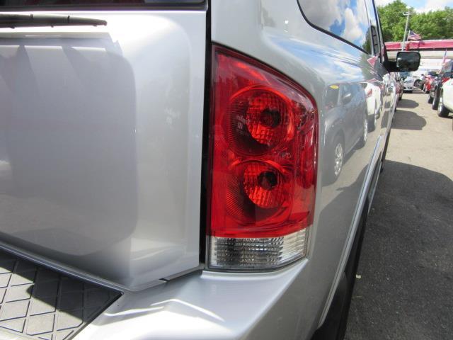 2015 Nissan Armada SV 8