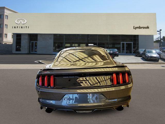 2017 Ford Mustang GT Premium 2