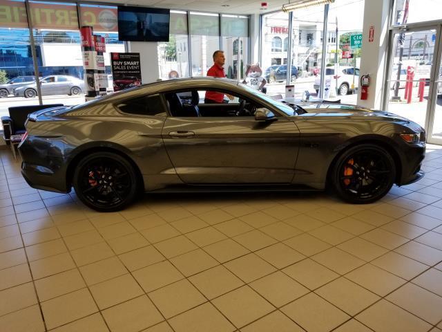 2017 Ford Mustang GT Premium 4